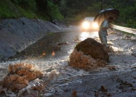Δέκα αγνοούμενοι και 400.000 εκτός εστιών τους από τις καταρρακτώδεις βροχές στην Ιαπωνία - Κεντρική Εικόνα
