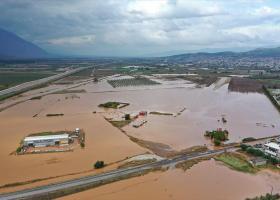 Παρατείνεται η καταβολή βεβαιωμένων οφειλών και αναστέλλεται η είσπραξη των ληξιπροθέσμων χρεών για τους πληγέντες του Ιανού - Κεντρική Εικόνα