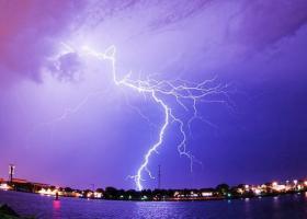 Ισχυρές καταιγίδες με χαλάζι και στην Αττική μετά το μεσημέρι - Κεντρική Εικόνα