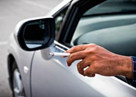 Τέλος το κάπνισμα για τους οδηγούς - Τσουχτερά πρόστιμα και αφαίρεση διπλώματος - Κεντρική Εικόνα