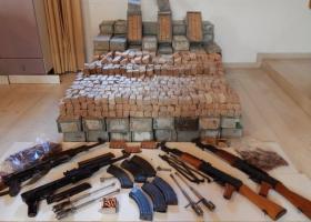 Κρήτη: Φορτηγό μετέφερε 4 καλάσνικοφ και πάνω από 122.000 σφαίρες - Κεντρική Εικόνα