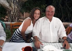 Χαλαροί και μαυρισμένοι στις διακοπές ο Κώστας Καραμανλής και η Νατάσα Παζαΐτη (photos) - Κεντρική Εικόνα