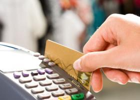 Προσοχή στις ηλεκτρονικές συναλλαγές-Επιτήδειοι «σηκώνουν» λεφτά η πληρώνουν μέσω της...κάρτας σας - Κεντρική Εικόνα
