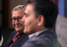 Ρέγκλινγκ: Όσο μεγαλύτερη η ελάφρυνση χρέους, τόσο αυστηρότερη η εποπτεία - Κεντρική Εικόνα