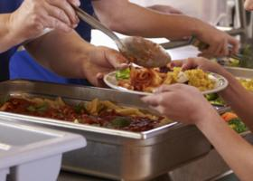 Υπουργείο Εργασίας: Πιστώνει €40 εκατ. για σχολικά γεύματα στα δημοτικά σχολεια - Κεντρική Εικόνα