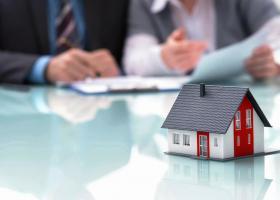 Νόμος Κατσέλη: Πώς θα προστατευτούν οι δανειολήπτες - Τι πρέπει να κάνουν - Κεντρική Εικόνα