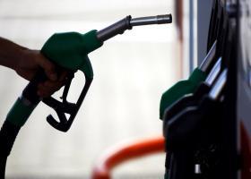 Σταθερές οι τιμές της βενζίνης στην Ελλάδα παρά τις ανατιμήσεις στη διεθνή αγορά - Κεντρική Εικόνα