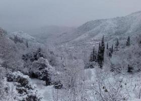 Σε ποιες περιοχές χαμηλού υψόμετρου της Αττικής άρχισε η χιονόπτωση - Κεντρική Εικόνα