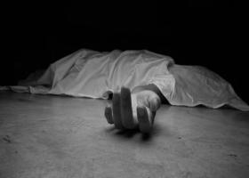 Άνοιξε την πόρτα του σπιτιού και βρήκε νεκρό τον σύζυγό της - Κεντρική Εικόνα
