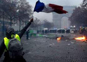 Κίτρινα γιλέκα: Το Παρίσι ζητά από τον Τραμπ να μην αναμιγνύεται στα εσωτερικά της Γαλλίας - Κεντρική Εικόνα