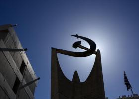 ΚΚΕ: Ο Τσίπρας προσπαθεί να εμφανιστεί ως υπερασπιστής των λαϊκών δικαιωμάτων - Κεντρική Εικόνα