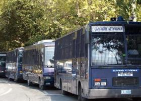 Με τι σκοπεύει ο Τόσκας να αντικαταστήσει τις... κλούβες των ΜΑΤ στο κέντρο της Αθήνας - Κεντρική Εικόνα