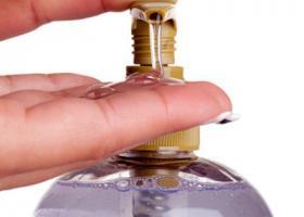 Απόφαση του ΕΟΦ υποχρεώνει γνωστή αλυσίδα σούπερ μάρκετ σε ανάκληση κρεμοσάπουνου με... βακτήρια  - Κεντρική Εικόνα