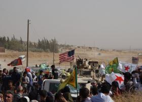 Κονβόι αμερικανικών στρατευμάτων «αφήνουν» τη Συρία - Κούρδοι προσπαθούν απεγνωσμένα να τους αποτρέψουν (Photos-Video) - Κεντρική Εικόνα