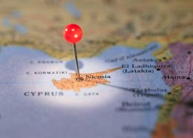 Οι εξελίξεις στο Κυπριακό στο επίκεντρο της συνάντησης του πρωθυπουργού με τον γγ του ΑΚΕΛ - Κεντρική Εικόνα