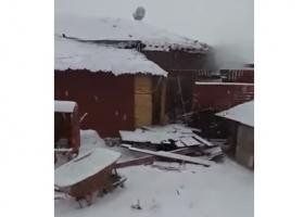 Κεραυνός έπεσε σε σπίτι και προκάλεσε έκρηξη του λέβητα! (video) - Κεντρική Εικόνα