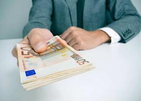 Τράπεζα πληρώνει λόγω υπαιτιότητας πρόστιμο καταναλωτή σε ΔΟΥ - Κεντρική Εικόνα