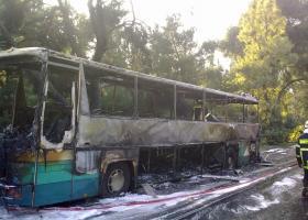 Ρόδος: Φωτιά σε τουριστικό λεωφορείο - Κεντρική Εικόνα