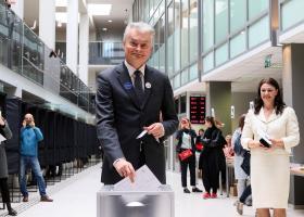 Λιθουανία: Ένας οικονομολόγος και μία πρώην υπουργός στον β΄ γύρο των προεδρικών - Κεντρική Εικόνα
