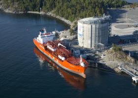 Σχέδια ΔΕΣΦΑ για εγκατάσταση πλωτού σταθμού LNG στην Κρήτη  - Κεντρική Εικόνα