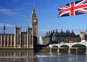 Βρετανία: Με τον ταχύτερο ρυθμό των τελευταίων 10 και πλέον ετών αυξήθηκαν οι μισθοί - Κεντρική Εικόνα