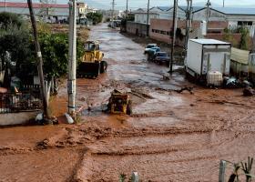 Χείρα βοηθείας σε πλημμυροπαθείς σπουδαστές - Κεντρική Εικόνα