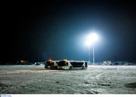 Πιλότος καταγράφει την προσγείωσή του Airbus στο χιονισμένο «Μακεδονία» (video) - Κεντρική Εικόνα