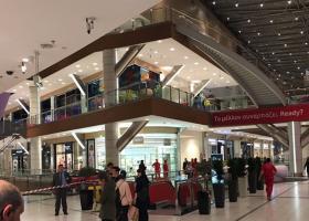 Πέπλο μυστηρίου με την μοιραία πτώση γυναίκας στο Mall - Τι δηλώνει η εταιρεία - Κεντρική Εικόνα