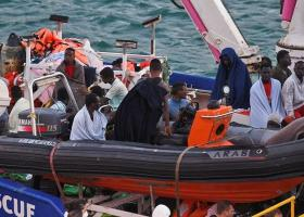 Μάλτα: Περιπολικό σκάφος διέσωσε 85 μετανάστες από ξύλινη βάρκα που βυθιζόταν - Κεντρική Εικόνα