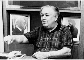 Μυστικές υπηρεσίες στο... κατώφλι του Μάνου Χατζηδάκι μέχρι το 1980 - Κεντρική Εικόνα