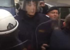 Πώς τα ΜΑΤ «υποδέχτηκαν» τους εργαζόμενους στα νοσοκομεία (video) - Κεντρική Εικόνα