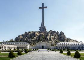 Ισπανία: Οι απόγονοι του δικτάτορα Φράνκο πρέπει να αποφασίσουν πού θα ταφούν τα λείψανά του - Κεντρική Εικόνα