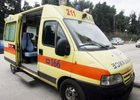 Αθηνών-Λαμίας: Παρασύρθηκε από αυτοκίνητο και ξεψύχησε μπροστά στα μάτια του συζύγου της - Κεντρική Εικόνα