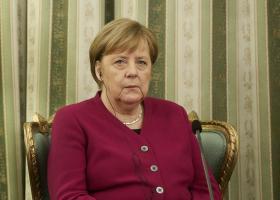 Μέρκελ: Να συνεχίσουν τις μεταρρυθμίσεις οι Έλληνες, παρά την κούραση - Κεντρική Εικόνα