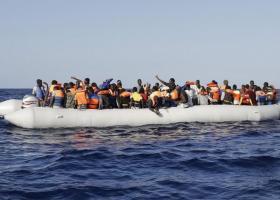 Αυξάνεται η ροή προσφύγων στο  Αιγαίο - 100 άτομα στη Λέσβο - Κεντρική Εικόνα
