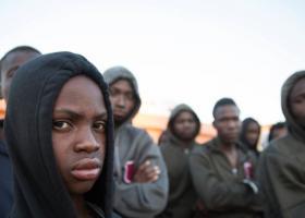 Λιβύη: Οι αρχές άνοιξαν τις πόρτες στα κέντρα κράτησης μεταναστών - Κεντρική Εικόνα
