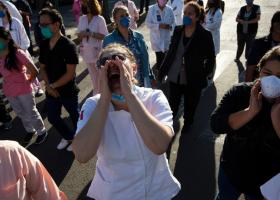 Κορωνοϊός- Υγειονομικοί:Στην Ευρώπη τους αποκαλούν «ήρωες», στο Μεξικό τους βρίζουν και τους ξυλοκοπούν! - Κεντρική Εικόνα