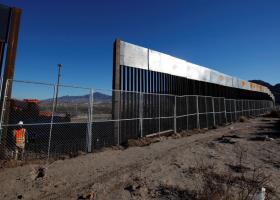ΗΠΑ: Το Πεντάγωνο εκταμιεύει 3,6 δισ. δολάρια για το τείχος στα σύνορα με το Μεξικό - Κεντρική Εικόνα