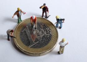 Κατώτατος μισθός: Νέα «πάγωμα» στα 650 ευρώ τουλάχιστον έως την άνοιξη του 2021 λόγω... κορωνοϊού - Κεντρική Εικόνα