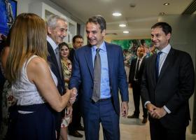 Eπίσκεψη Μητσοτάκη στο υπουργείο Τουρισμού - Κεντρική Εικόνα