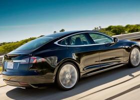 Υπό έρευνα το πρώτο θανατηφόρο τροχαίο με αυτοκίνητο Tesla στον αυτόματο πιλότο - Κεντρική Εικόνα
