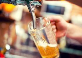 Ποιος λόγος βάζει ξανά τη μπύρα σε μπουκάλι - Κεντρική Εικόνα