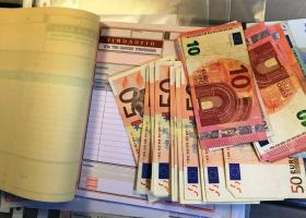 Φορολογικές δηλώσεις: Πώς τα «μπλοκάκια» θα κερδίσουν το αφορολόγητο των μισθωτών - Κεντρική Εικόνα
