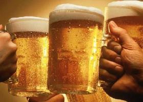 Αγορά μπύρας: Πολλά μικρά καταστήματα πωλούν...πολύ μπύρα - Κεντρική Εικόνα