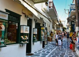 Ο Βακάκης έδειξε το δρόμο στις Κυκλάδες: Σε 4 νησιά ανοιχτά καταστήματα όλες τις Κυριακές! - Κεντρική Εικόνα