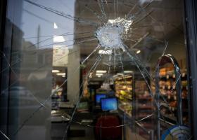 Οι πρώτες εικόνες από τα 13 «σπασμένα» καταστήματα της Μy Market (photos) - Κεντρική Εικόνα