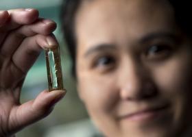 Ερευνητές εφηύραν την μπαταρία που αντέχει 400 χρόνια (Video) - Κεντρική Εικόνα