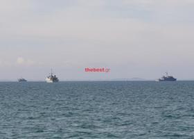 NATOϊκά πολεμικά πλοία κάνουν... μανούβρες στον Πατραϊκό κόλπο (photos) - Κεντρική Εικόνα