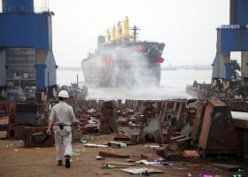 Στ.Πιτσιόρλας-Π. Ξενοκώστας: Μετά το Νεώριο... εξελίξεις και στα ναυπηγεία Ελευσίνας και Σκαραμαγκά - Κεντρική Εικόνα