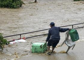 Βιβλική καταστροφή στο Νεπάλ από πλημμύρες: 55 νεκροί, χιλιάδες εκτοπισμένοι (video) - Κεντρική Εικόνα
